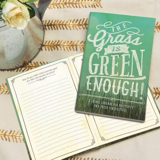 Notitieboek voor meer positiviteit: The grass is green enough!